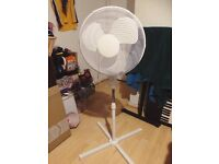 White Pedestal Fan (16 Inch - Simple Value White Oscillating Pedestal Fan from Argos)