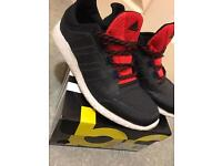 *New* Men's Adidas Boost Trainer Size 9.5 Excellent Condition
