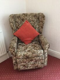 FLOWER PATTERNED ROCKING ARMCHAIR