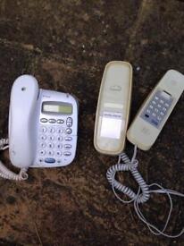 2 telephones