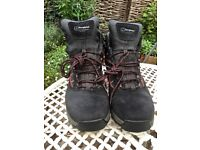 Berghaus Men's Walking Boots, Black with red trim, Goretex, UK Size 11