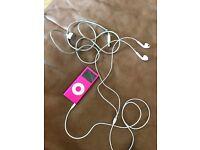 IPod nano 4gb with original EarPods