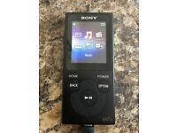 Sony Walkman NW-E394 (black)