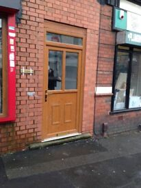 2 bedroom flat to let wednesbury town centre. includes gas, electric water. £150 per week