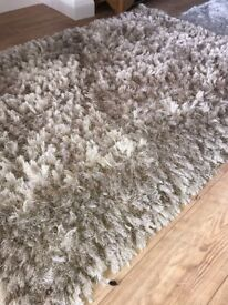 Champagne Luxury Rug. Great price at £10