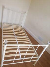 girls bed (next)