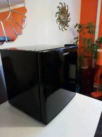 Brand new tabletop black drinks fridge