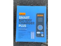 HALFORDS smart battery charger plus - NEW
