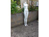 Mannequin lady figure