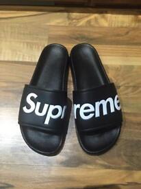 Supreme slippers for men