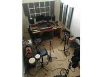 Sound proofed studio available in Hackney Wick by the canal! (210 sqft)