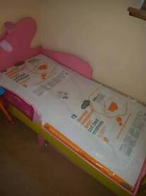 Girls Peppa pig bed