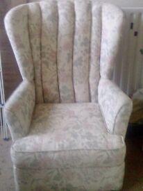 Pretty little bedroom/small armchair