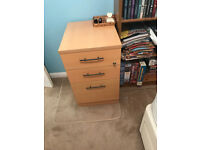 Very good quality 3-drawer pedestal