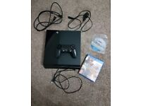 Ps4 (500gb) with three games