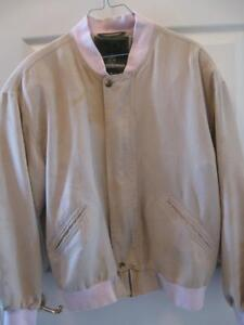 "MEN'S LIGHTWEIGHT ""WP"" WEATHERPROOF GARMENT CO...SIZE MEDIUM"