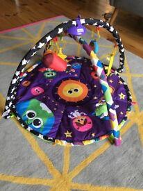 Lamaze space symphony motion baby mat
