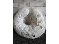 Great condition feeding baby pillow. Nursing pillow