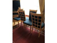 Solid extendable table and chairs offers welcome