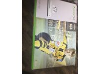 XBOX ONE S 500GB AND including 4 games and two controllers