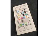 Unlocked iPhone 5s silver 16gb immaculate condition