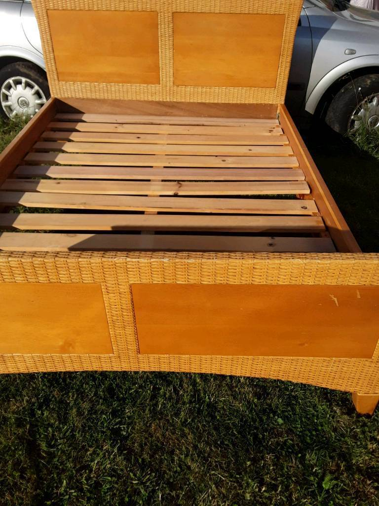 Double bed framein Earley, Berkshire - Good solid bed frame just clips together no nuts or bolts welcome to view