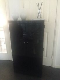 Next Black Gloss Media Unit