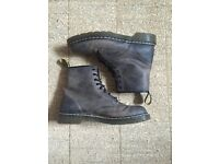 Doc Martens 10072 Brown Leather Size UK 12