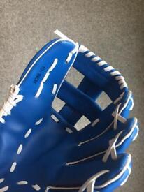 X4 10.5 softball / baseball glove for left hand in blue