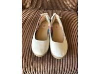 UGG Women's Perrie Flat Shoes - 6.5 (Feels more like a 6)