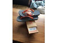 Havaianas size 4 flip flops