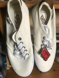 GENUINE Vans Shoes Size 8.5
