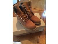 Women's timberland boots. Size 5. Hardly worn