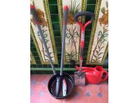 Garden tools including Spear and Jackson border spade, lawn shears