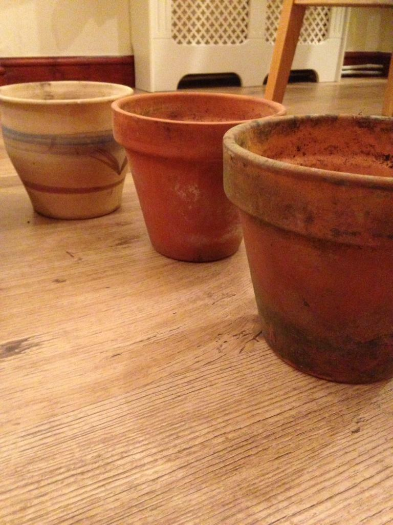 11 Plant Pots For Sale