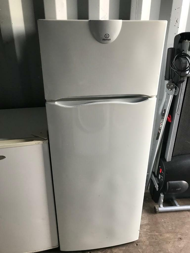 Indesit Fridge Freezer 4 Ft
