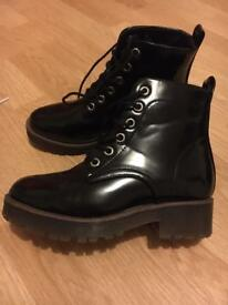 New look size 2 boots