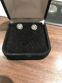 Gold white 18ct earring