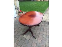 Mahogany dining room table, £40 or offers