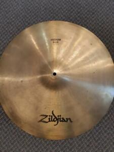 Cymbale Zildjian Avedis Medium Ride 20 usagée-used