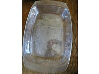 2 glass oblong dishes