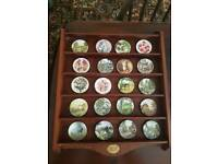CENTENARY COLLECTION WOODEN PLATE RACK WITH 20.MINIATURE PLATES