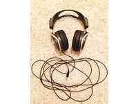 Sony MDR-XD200 stereo headphones (for HiFi, music, movies, TV)
