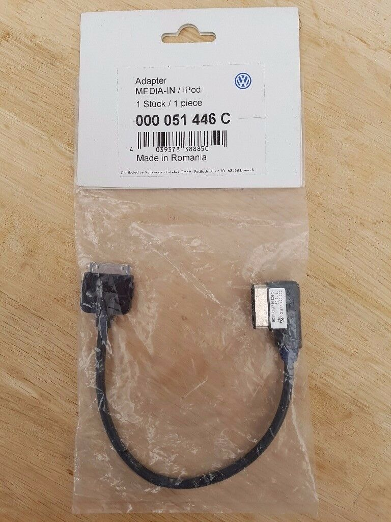 GENUINE VW MEDIA IN IPOD IPHONE LEAD CABLE ADAPTER