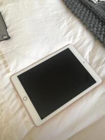 "Apple iPad Pro 9.7"" 128gb Cellular + WiFi"