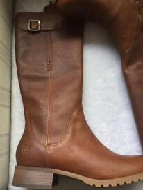 New Timberland ladies boots size 6