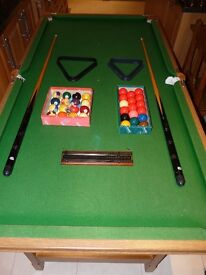RILEY SNOOKER TABLE (6FT BY 3FT) WITH POOL AND SNOOKER BALLS