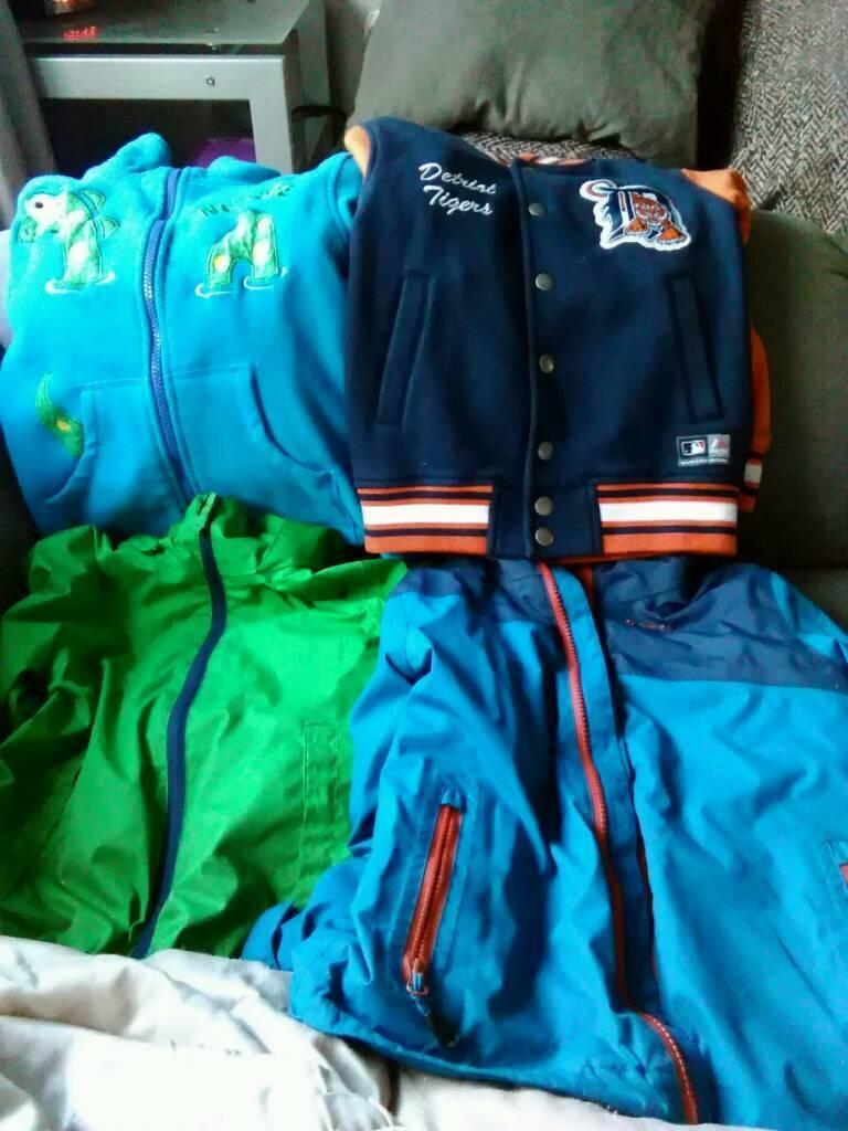 Boys coats 5~6 year.old