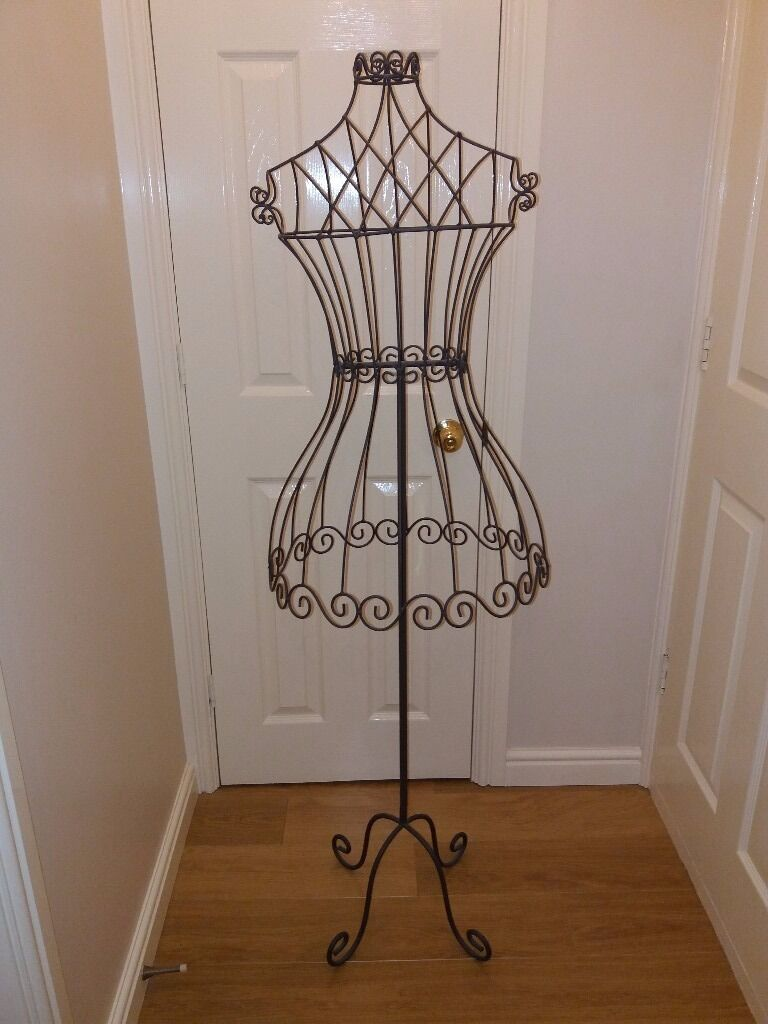 Steel Wire Mannequin Or Dummy Dress Stand Shop Display