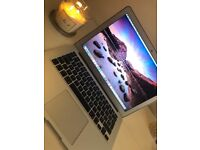 Apple Macbook Air 13inch - 1.4 GHz intel core i5 - 4GB 1600 MHz